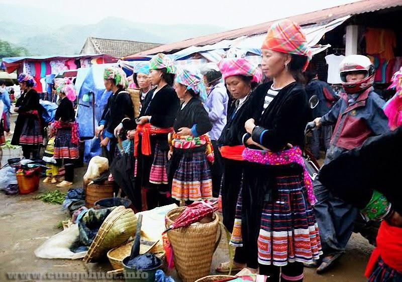 5 phiên chợ Việt Nam nhất định phải tham dự một lần trong đời