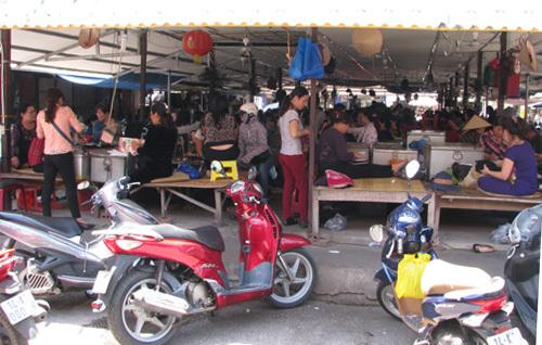 Chợ ngoại tệ biên giới Móng Cái