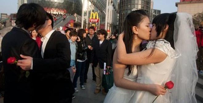 """Đột nhập """"chợ tình"""" cho dân đồng tính Trung Quốc tìm bạn đời"""